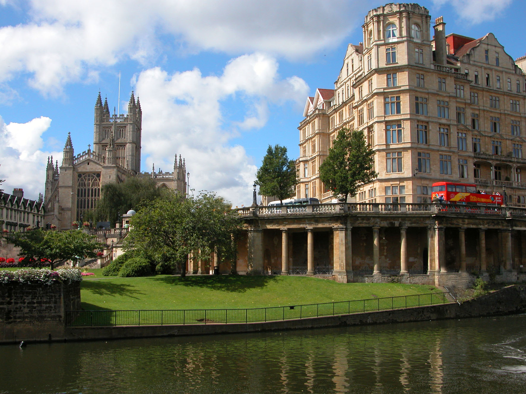 Travel to Bath from Manchester Airport